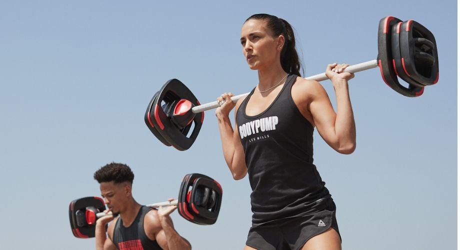 Levanta pesas correctamente y evita errores con estos tips