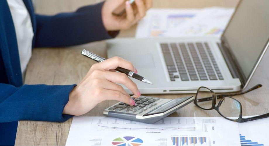 Cómo invertir tu presupuesto excedente de 2019 sabiamente